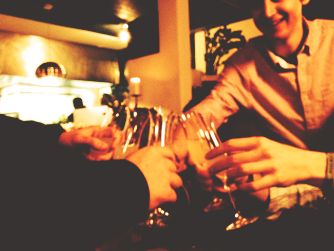 Peak Leaders, time to celebrate, high pass rate, Saas Fee Ski instructor course, champagne time