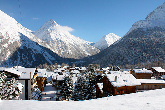 Saas Fee, Saas Fee Switzerland, Switzerland, beautiful Switzerland, Peak Leaders Saas Fee, beautiful mountain resort, snowy town, gap year adventures