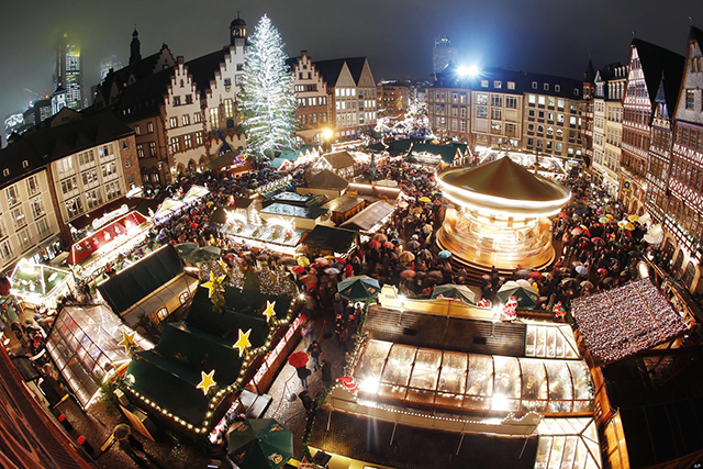 Munich Christmas Market, Munich Germany, Munchen, Peak Leaders, best cities for skiers to live in