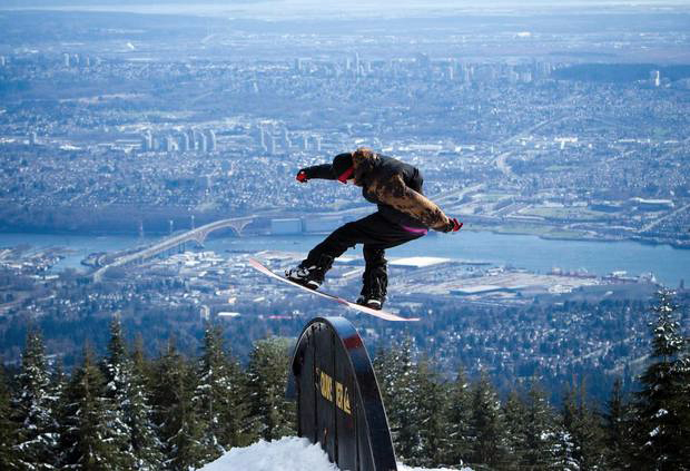 Vancouver, Mount Grouse, snowboarder, best cities for skiers and snowboarders to live in, Peak Leaders
